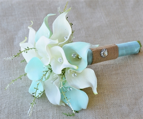 Floramatique Natural Touch Tiffany Small Calla Lilies Bouquet