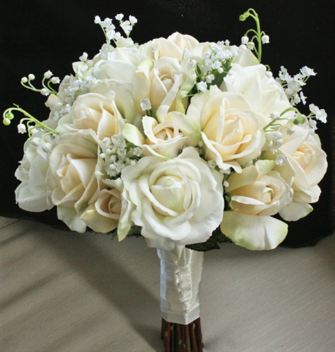 Natural Touch Open Off White Roses Bouquet